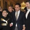 04 - Maradona saluta lo staff di Mimì alla Ferrovia