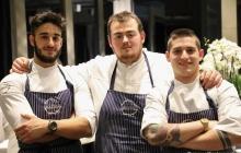 08 - Lo chef Davide Caranchini con il suo staff